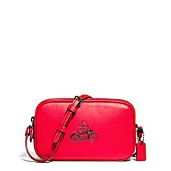 Umhängetasche 'Mickey Leather Crossbody Pouch' in Rot von Coach in Wertheim Village