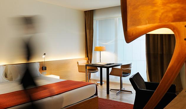 Hotel Omm room