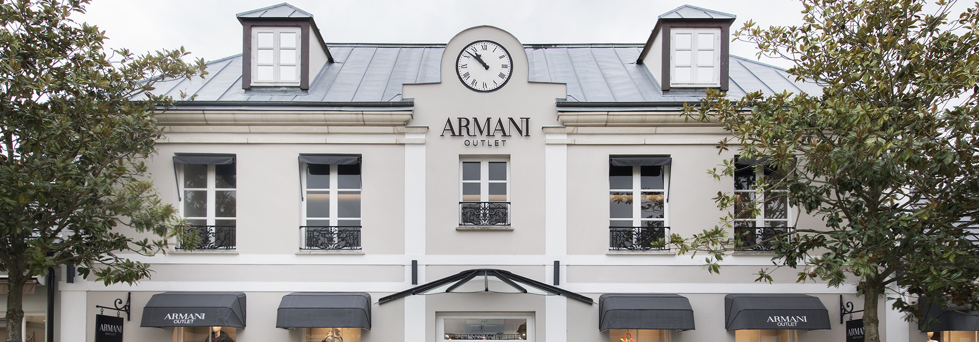 Armani Outlet - Paris b439ae22fcd